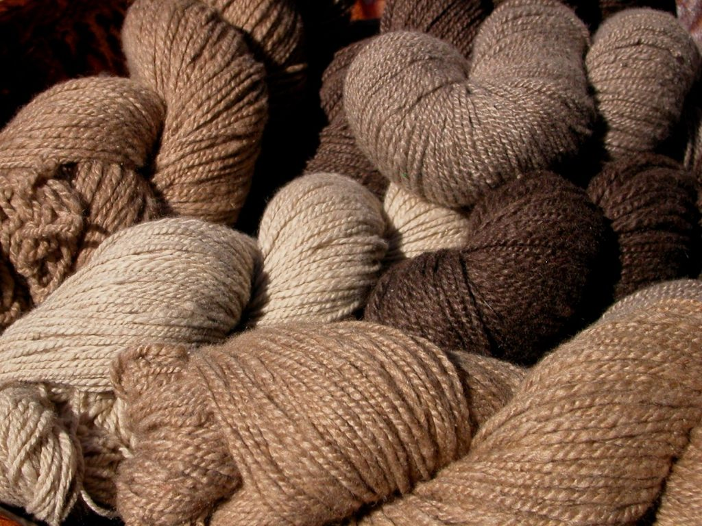 cashmere-yarn-knitting