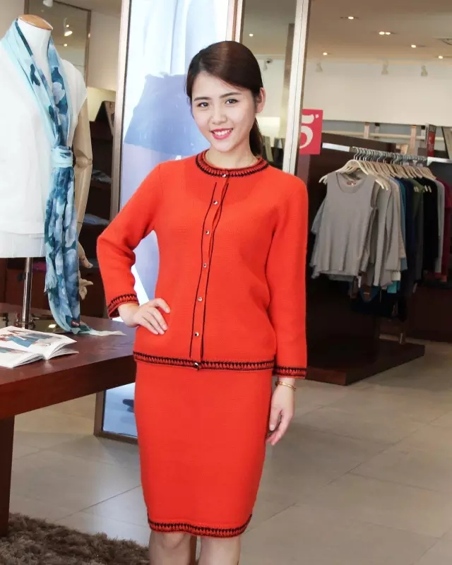 Cashmere-yarn-and-apparel-supplier-show-the-proposition-of-dress-up-in-earlier-fall (12)